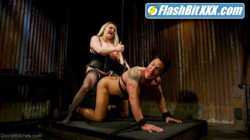 Dominic Pacifico, Aiden Starr - A Dom's Domme: Divine Bitch Aiden Starr dominates beefcake male top [HD 720p]
