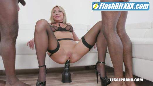 Marilyn Crystal, Joachim Kessef, Darnell Black - Marilyn Crystal keeps enjoying black cocks IV316 [SD 480p]