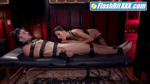 Gia DiMarco, Mason Lear - The House Slave: Gia DiMarco Brings Mason Lear Out to Play [HD 720p]