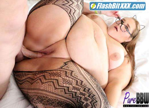 Strawberry Cakes - SSBBW takes a study break for some cock [FullHD 1080p]