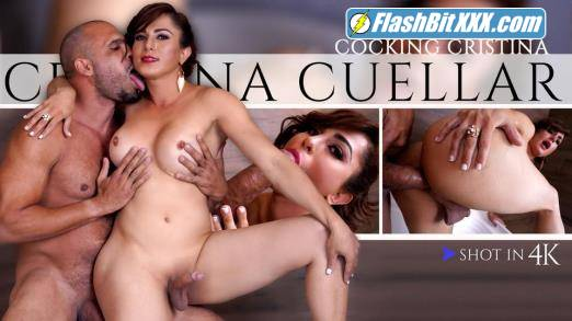 Cristina Cuellar - Cocking Cristina [HD 720p]